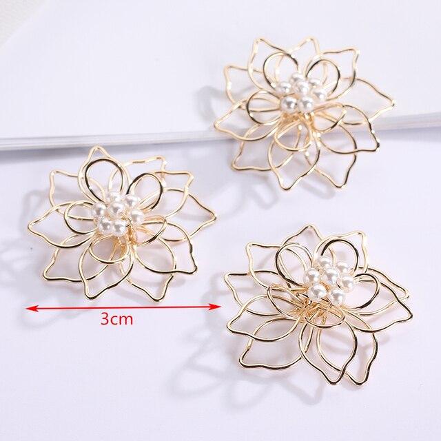 8 sztuk/partia złoty filigran Wrap Metal fałszywe Pearl kwiaty ustalenia Charms złącza akcesoria dla Diy kolczyk...