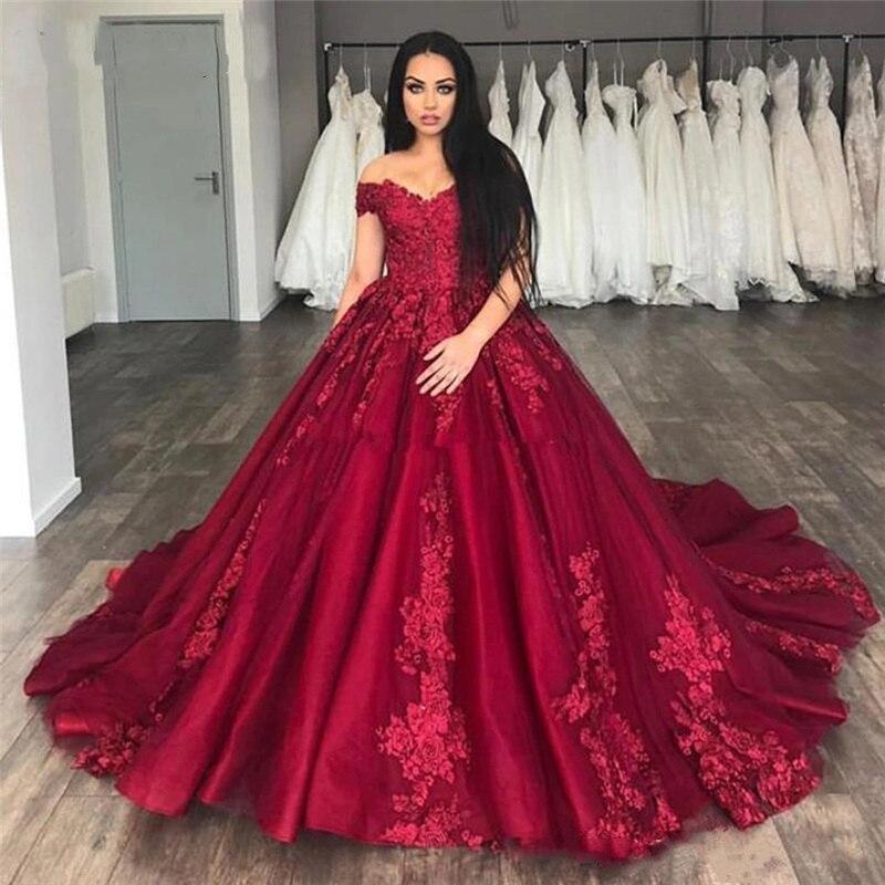 Charmante épaule bordeaux robes de mariée de mariage Court Train Satin dentelle Appliques robes colorées africaines