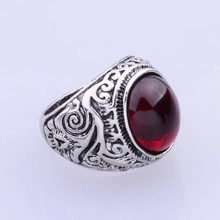 Europe And America Hot Selling Men Couples AliExpress Vintage Gemstone Ring Black And White with Pattern Red Stone Hot Sales(China)