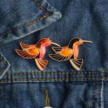 الكرتون الطيور المينا دبابيس تحلق الحيوانات بروش شارة الدنيم الملابس التلبيب دبوس للنساء الرجال قمصان مجوهرات اكسسوارات هدايا