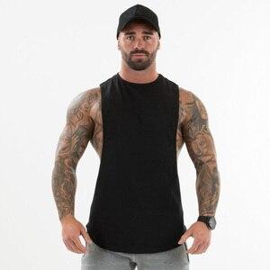 Однотонная одежда для фитнеса или бодибилдинга, мужские футболки с вырезами и опущенными проймами, топы на бретелях для спортзала, майка бе...