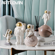 Europe Space Man Figure Astronaut Figurines Modern Creative Phone Holder Cosmonaut Statue Sculpture Home Decoration Accessories