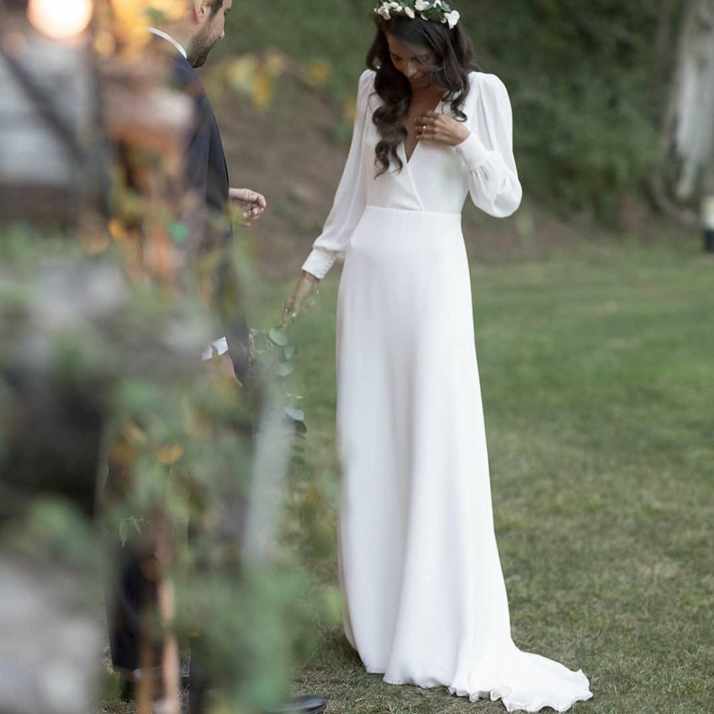 New Sheath Wedding Dresses With Long Sleeves V Neck Buttons Country Bridal Gowns Elegant Bridal Dress Cheap Bride Dress