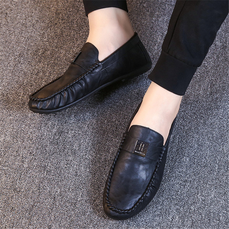 2019 New Italian Leather Men Casual Shoes Luxury Brand Mens Loafers Moccasins Breathable Slip On Black Driving Shoes Soft Flats