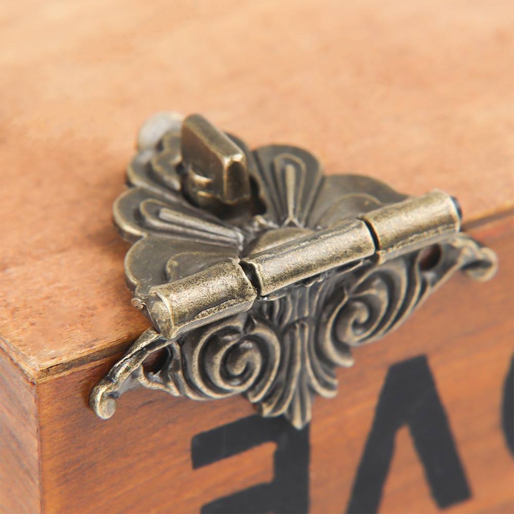 High Quality Box Buckle Antique Alloy Buckle Box Wooden Wine Box Lock Craft Furniture Hardware 48*45mm