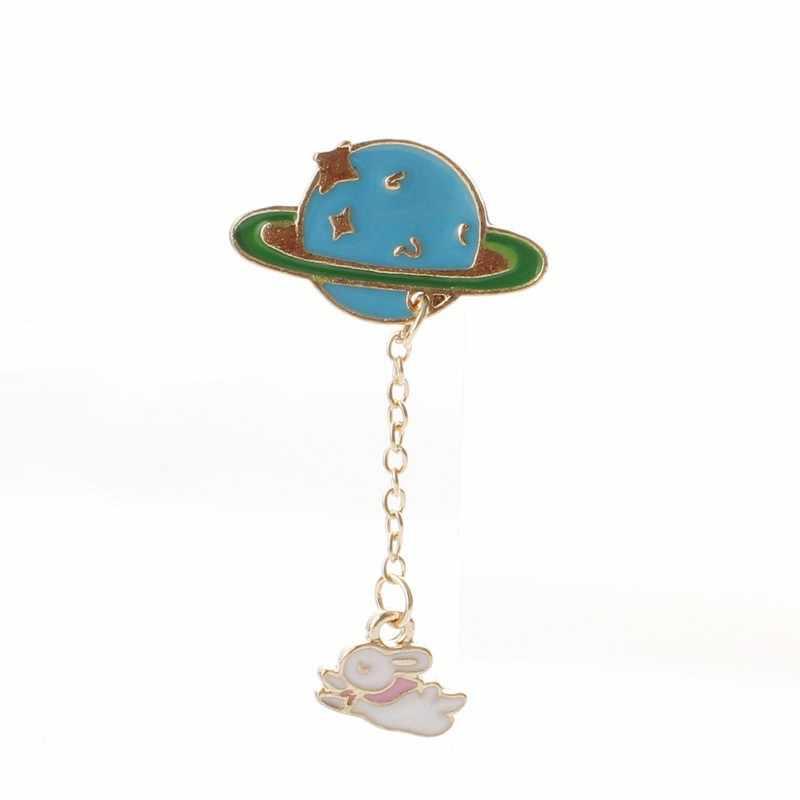 1pc น่ารักพู่ป้าย Galaxy นักบินอวกาศดวงจันทร์ไข่กระต่ายแมวสัตว์ Pins เข็มกลัดสำหรับผู้ชายผู้ชาย Charm Pin