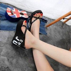 Image 4 - XMISTUO/модные женские шлепанцы, женские летние пляжные шлепанцы на танкетке, водостойкие шлепанцы на очень высоком каблуке 11 см, 4 цвета, 7041
