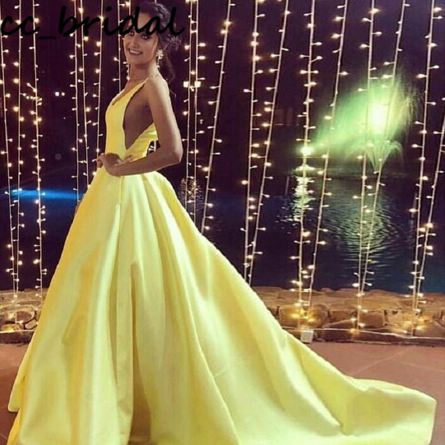 Charming Light Yellow Prom Dresses Long 2020 Sexy Backless Satin Dress Woman Party Night Evening Gowns robe de princesse femme
