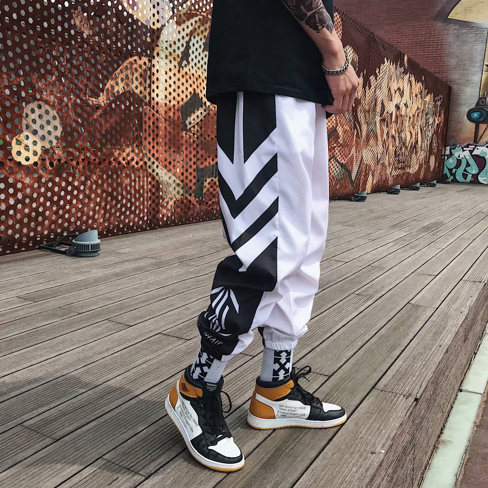 Loldeal Sweatpants Men Plus Size Casual Black White Stripe Printed Fashion Men Pants Hip Hop Pants Harem Pants Trousers