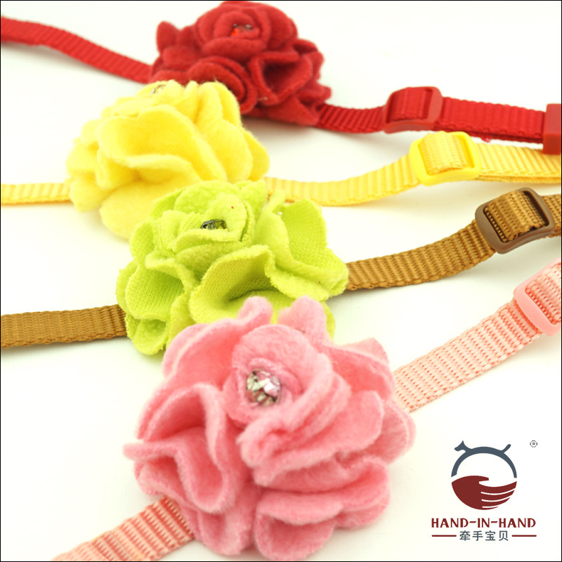Hand-in-hand Pet Supplies Pet Collar Dogs And Cats Pet Bell Neck Ring Collar Suede Rose Release Buckle Neck Band