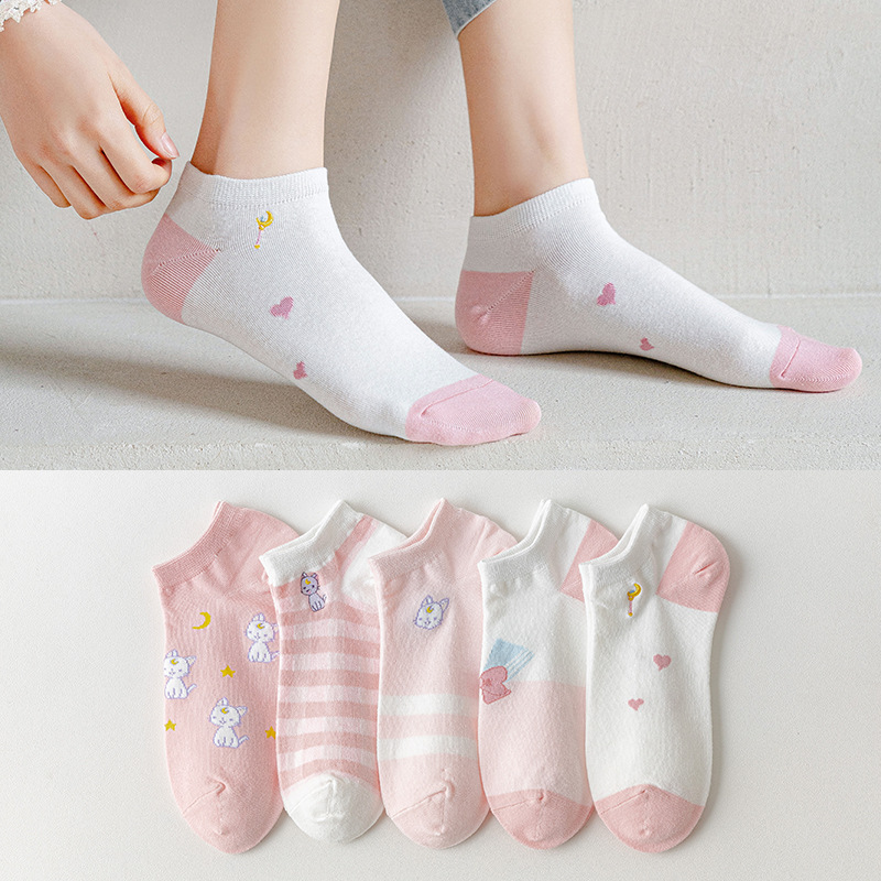 The New Women Pink Cotton Breathable Short Heel Boat Cartoon Socks Personalized Shallow Mouth Cute Cat Embroidery 5 Pairs Female