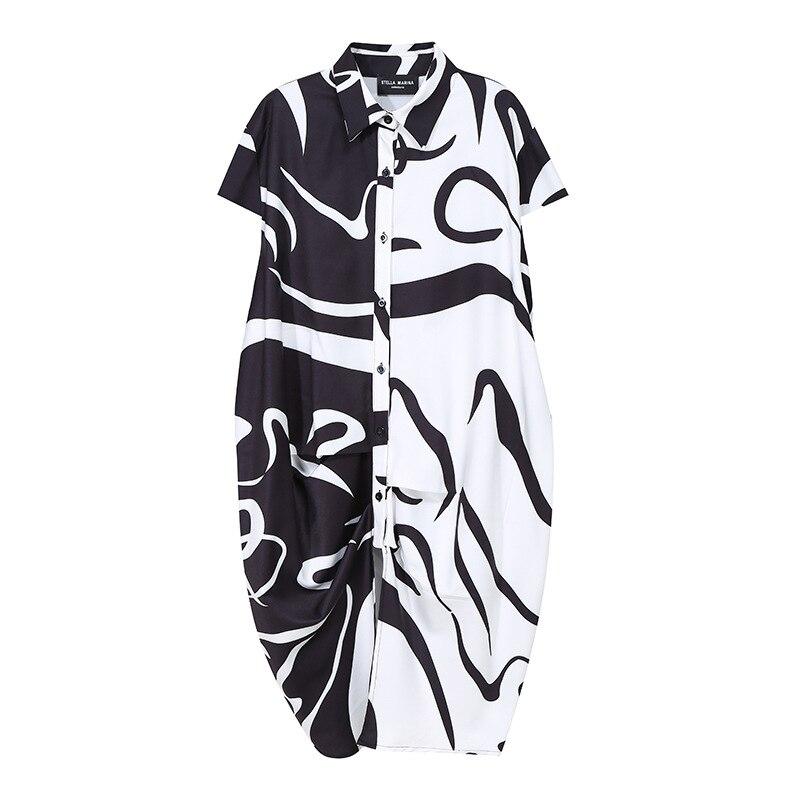 Женское платье рубашка большого размера с рисунком черного цвета