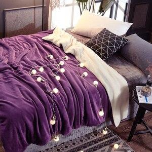Image 2 - Manta de cama de felpa de doble cara para invierno, suave y cálida, franela, cordero, Cachemira, funda de edredón, mantas clásicas, regalo de Año Nuevo
