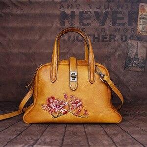 Image 3 - Johnature Handmade ลายนูนกระเป๋าถือหรูผู้หญิงกระเป๋า 2019 ใหม่ของแท้หนัง Hobos Retro ดอกไม้ไหล่กระเป๋า Crossbody