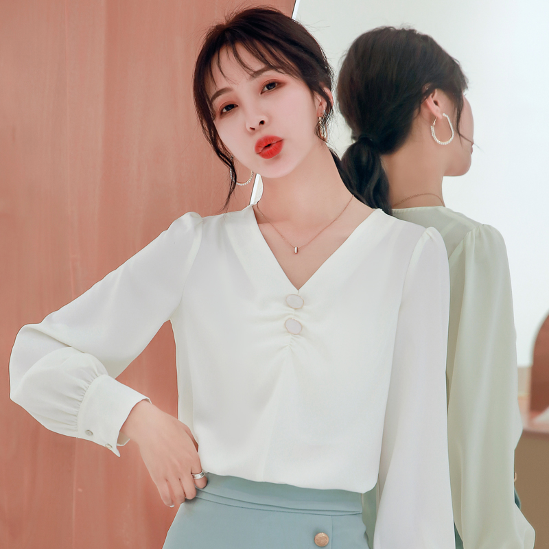 Korean Silk Blouses Women Satin V Neck Blouse Shirt Woman Long Sleeve Blouse Top Plus Size Blusas Mujer De Moda 2020 Women Tops