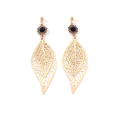 Fashion Drop Earrings For Women Simple Elegant Vintage Golden Hollow Leaf Shape Pendant Party Gift Female