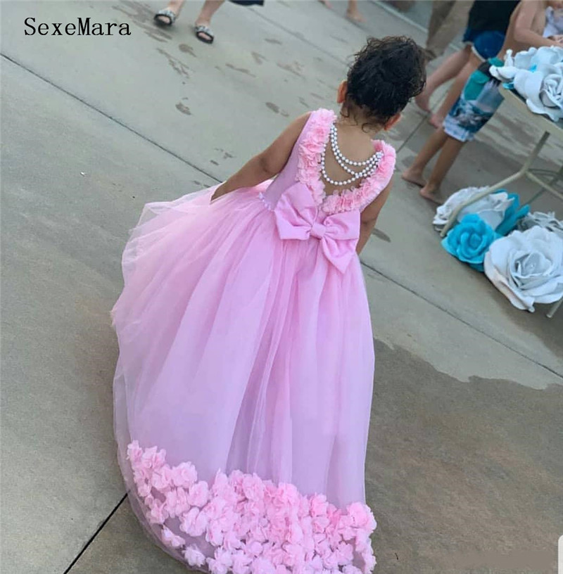 Customized Pink Tulle Flower Girl Dress With 3D Floral Appliques Beading Bow Open Back New Kids Pageant Gowns Sweep Train Longo