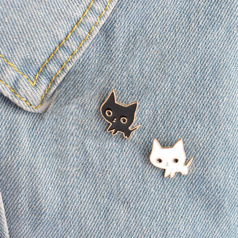 Black White Couple Cat Pins I LOVE CATS Cute Brooches Badges Bag Accessories Enamel Pins Jewelry Festival Gifts For Lover Friend