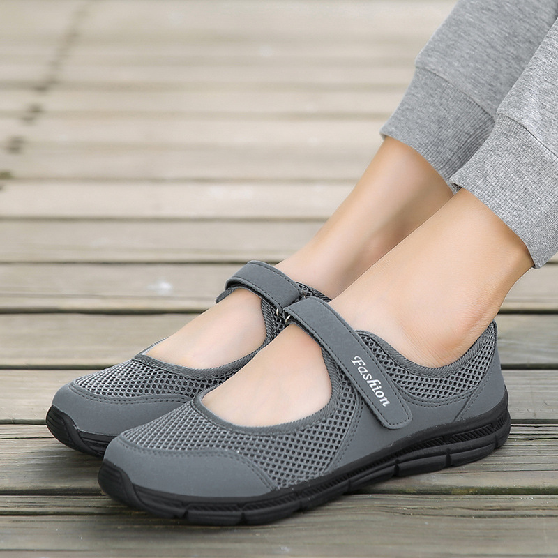Women Mother Old Flats Sandals Shoes Breathable Non-slip Round Toe Shallow Mouth Ankle Hook Loop Non-slip Comfortable Sandals