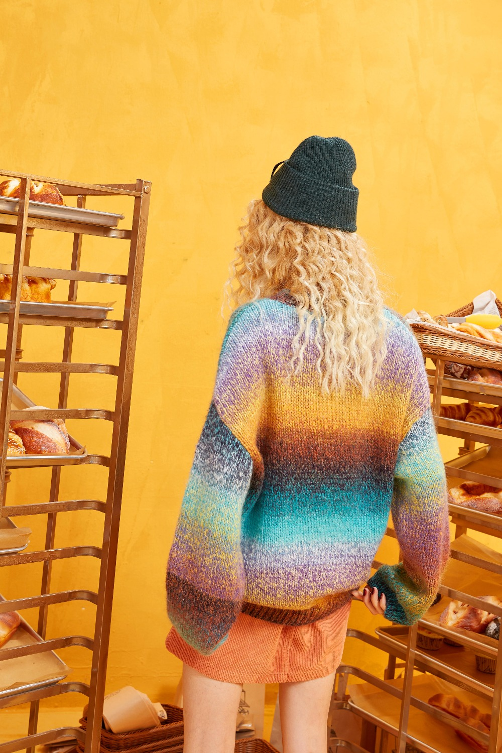 ELFSACK Rainbow Color Striped Women Sweater.19 Winter Fashion Sweet Gradient Ramp Knitted Tops Mohair Oversize Autumn Clothing 5