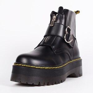 Image 3 - Милые ботинки на платформе; женская зимняя обувь; коллекция 2019 года; модная женская обувь из искусственной кожи на молнии; ботильоны с пряжкой в форме сердца