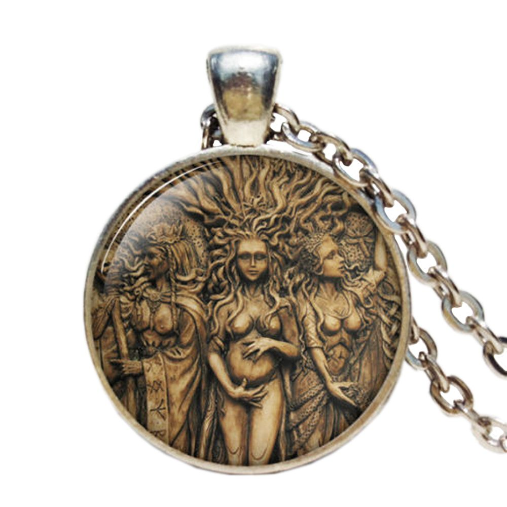Tree of Life Moon Necklaces Pendants Vintage Jewelry Triple Moon Goddess Wicca Pentagram Magic Amulet Necklace Women Gifts