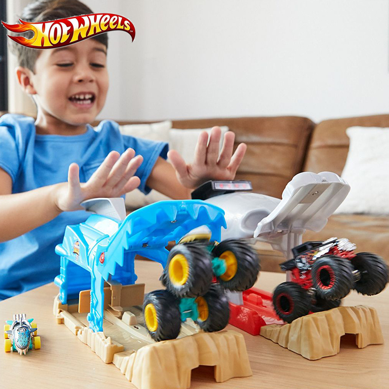 Hot Wheels Monster Truck Pit And Launch Bone Shark MT Garage Play Set Big Foot Car Toys Challenge GKY01 For Kid Birthday Gift