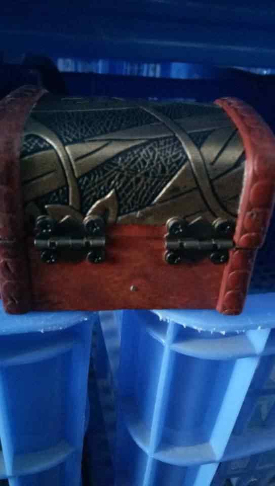 صندوق مجوهرات خمر الخشب اليدوية صندوق مع قفل معدني صغير لتخزين المجوهرات الكنز اللؤلؤ
