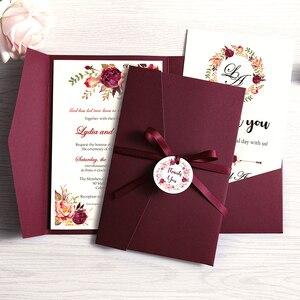 Image 1 - 50 шт. свадебные приглашения, синие карманные поздравительные открытки бордового цвета с конвертом, индивидуальная вечеринка с лентой и биркой