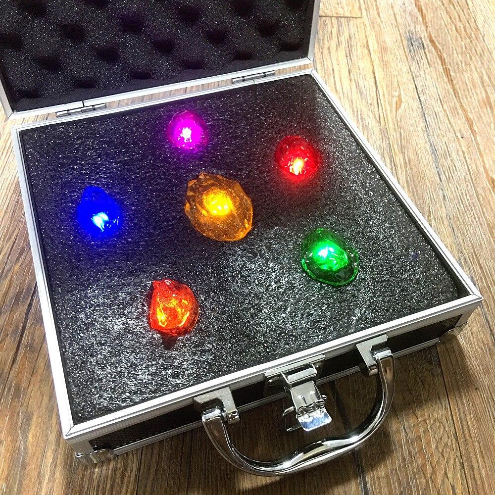Pierres d'infinité Thanos Gant de L'infini iron Man Avengers light Action figure jouets poupée cadeau De Noël avec boîte