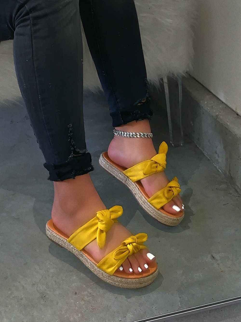 2020 ระเบิดรุ่น Candy สีสุภาพสตรีคู่ลื่น Non-SLIP flip flops กลางแจ้งหญิงรองเท้าแตะรองเท้าแตะชายหาด casual Sand