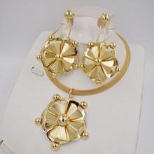 جودة عالية من دبي 3 لون الذهب اللون طقم مجوهرات للنساء الخرز الأفريقي مجوهرات موضة قلادة مجموعة القرط مجوهرات