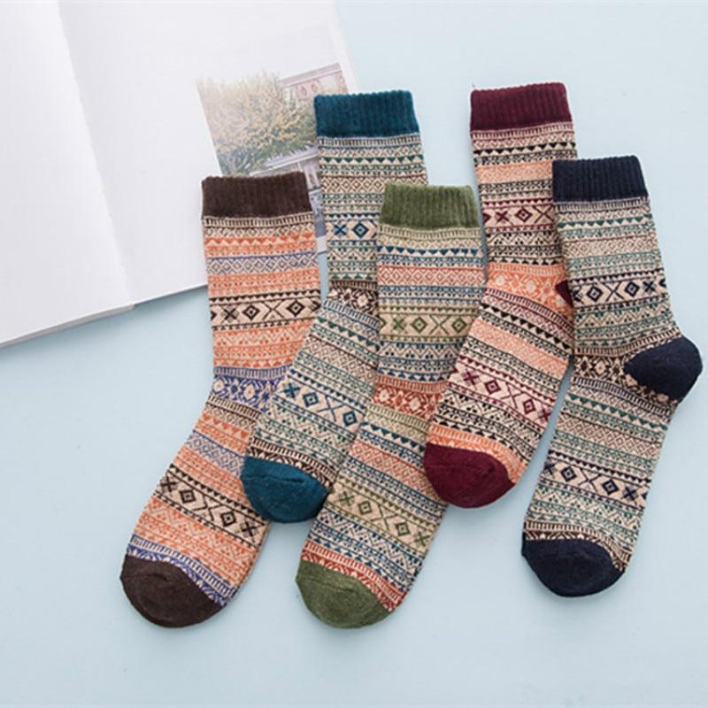 Nest Female Winter Wool Cashmeer Socks Women Keep Warm Free Size Cute Thick Socks Short Christmas Socks