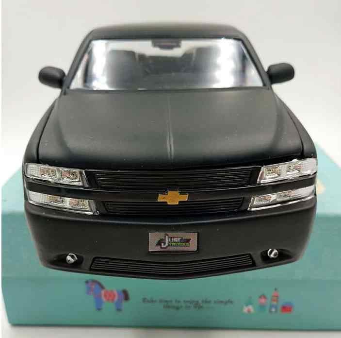 1:24 alta simulación 1999 Chevrolet pickup coche en miniatura de aleación, coche de rueda desmontable, modelo de coche clásico coleccionable, envío gratis