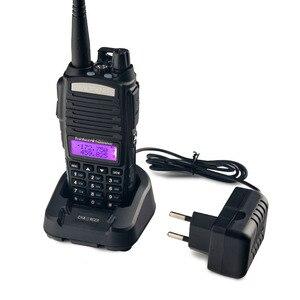 Image 2 - 2 pièces BaoFeng UV 82 talkie walkie 5W 8 W U/V Baofeng UV 82 casque talkie walkie 10 KM Baofeng UV82 8 watt Radios uv 9r jambon radio