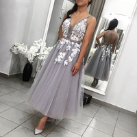 Eightale Tea Length Homecoming Dresses V Neck Appliques Beaded A Line Prom Party Gowns Silver Graduation Dress for Sweet 15