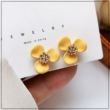 LANIWOO Ins Style Mini Flower Lovely Stud Earring in Summer 2021 New Fashion Jewelry Beautiful For Women Girls Accessory