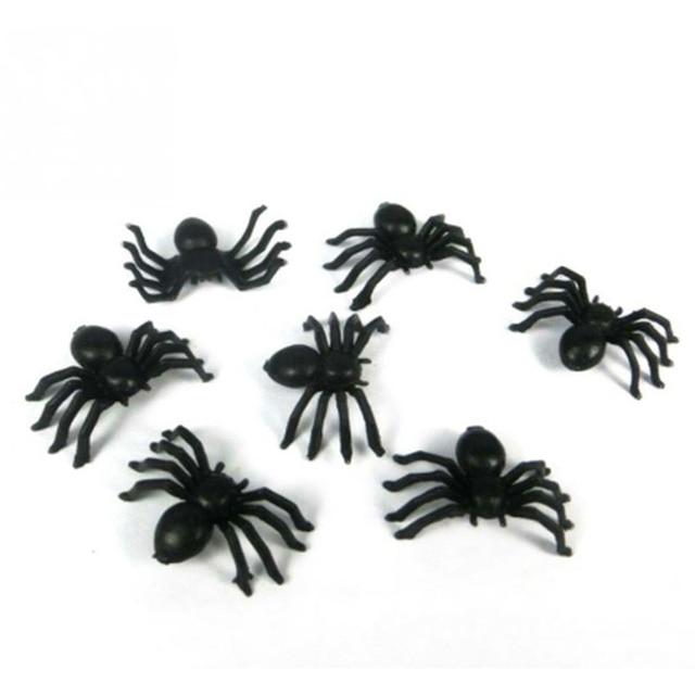 100PCS/lot Halloween Mini Plastic Black Luminous Spider Joking Birthday Toys DIY Decoration DIY Party Decorative Props