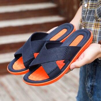 ¡Nuevo estilo 2019! zapatillas de hombre de talla grande de moda de alta calidad 100% cuero de Caballo Loco toboganes de verano para hombre 5679