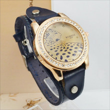 Womage Watch Fashion Vintage Women Watches Leopard Crystal Leather Band Quartz Wristwatch Reloj Mujer