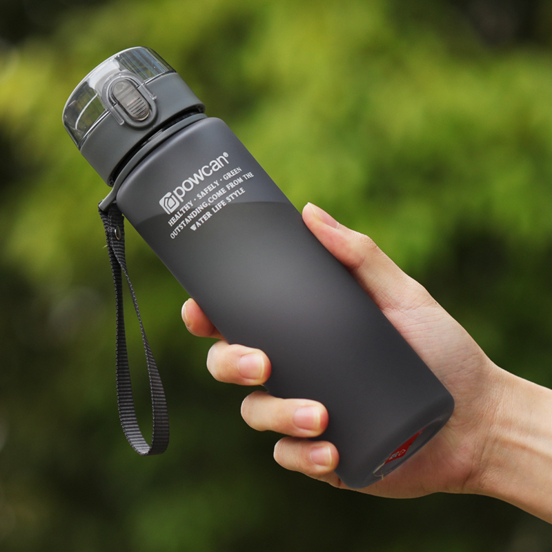 HOT Water Bottle 560ml Plastic Direct Drinking Bottle School Water Bottles Shaker Bottle Gourde En Plastique Sport image