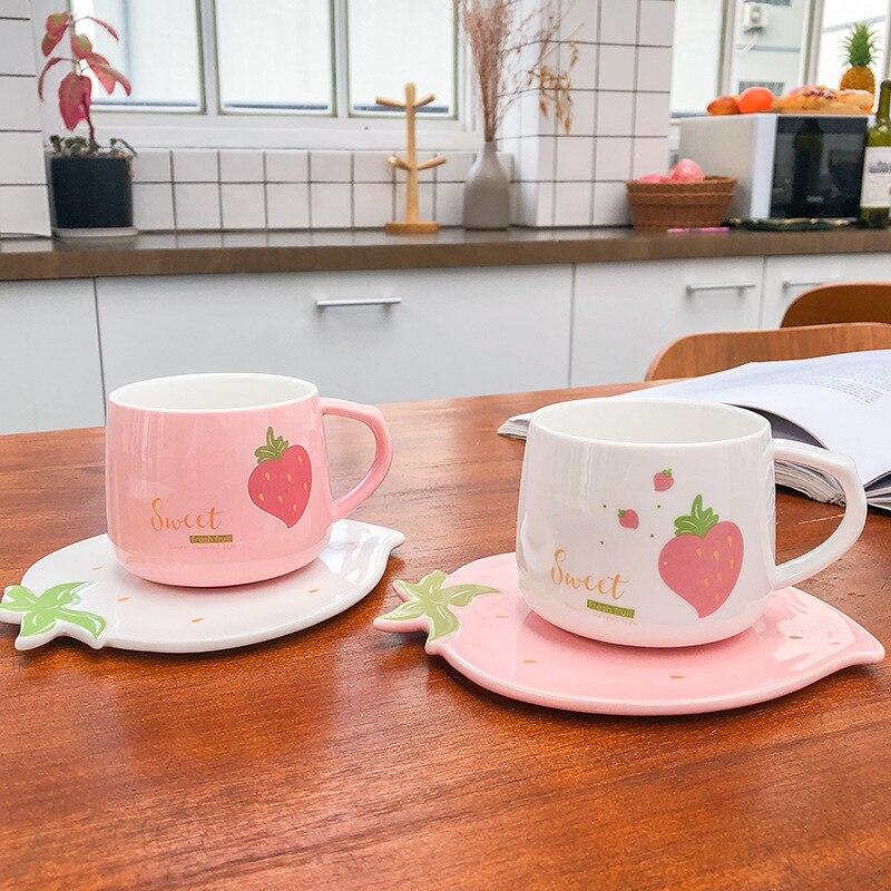 250ML Creative Water Cup With Saucer Kawaii Strawberry Ceramic Milk Mug Juice Coffee Mugs Cartoon Drinking Cup Children's Gifts