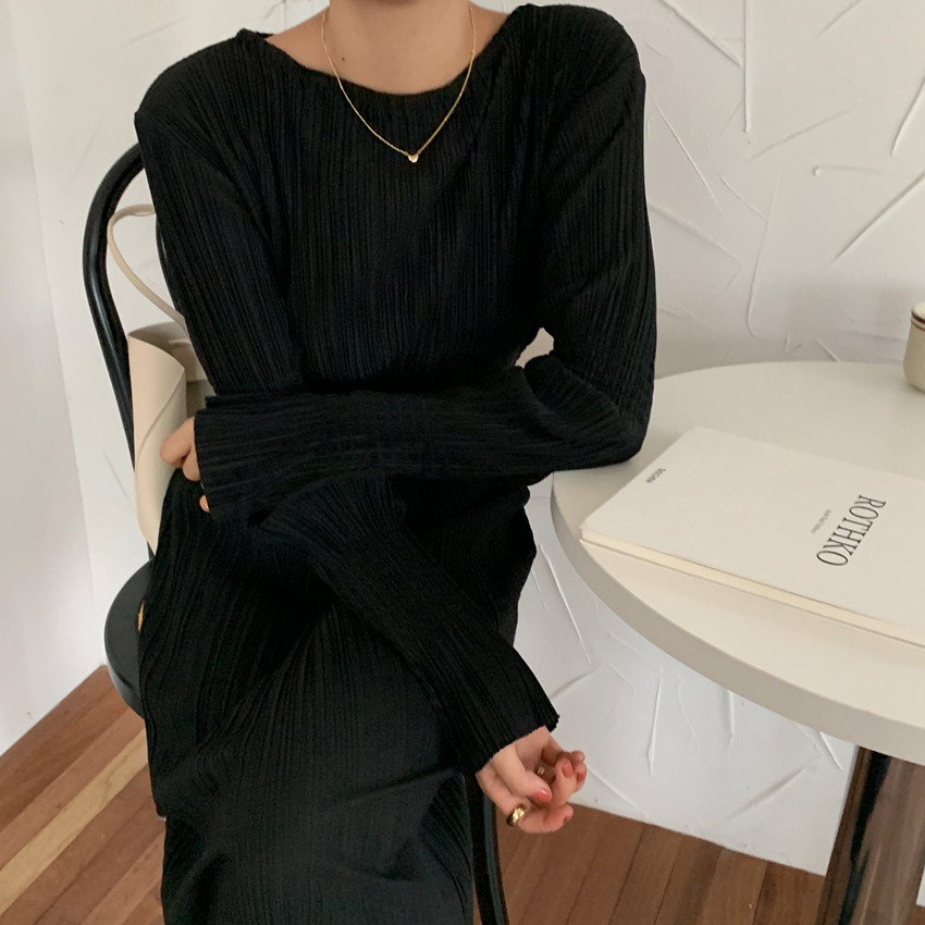 H4b72eeb60b1645aab047714c9ec004e6O - Autumn O-Neck Long Sleeves Pleated Black Midi Dress
