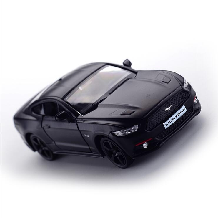 1:32 Shelby Mustang Model Alloy Car Toy Model A Modified Car Model Pull Back Flashing Children's Toy Gift Free Shipping