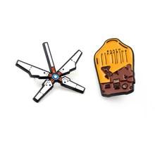 Jogo death stranding jogo mochila broche emblemas esmalte broches de metal pinos collectibles presente cosplay acessórios