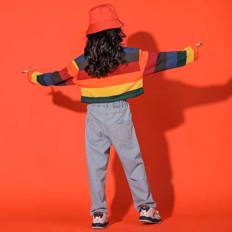 แขนยาวเต้นรำเครื่องแต่งกายเด็กกางเกงยีนส์เกาหลีเครื่องแต่งกายเต้นรำสาว Hip Hop เครื่องแต่งกายเด็ก Hiphop เสื้อยืดสายรุ้งรูปแบบ