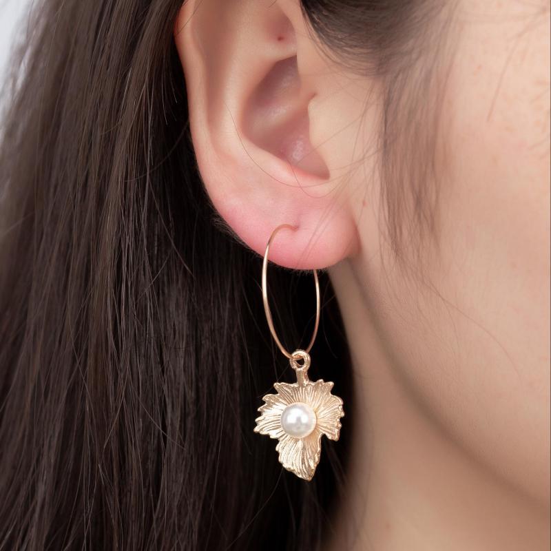 Bohemian Handmade Earrings Fashion New Fresh Red Apricot Leaves Pearl Geometry Wild Long Earrings Women Wholesale Mickey Ears