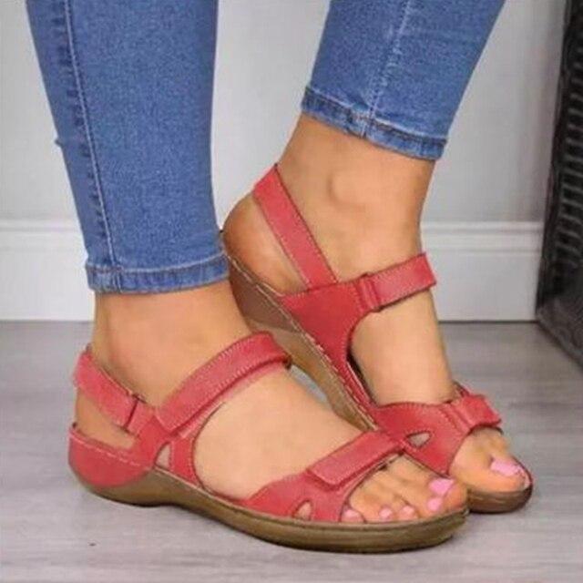 2020 جديد النساء الصنادل لينة ثلاثة ألوان خياطة صنادل سيدات صندل مسطح مريح المفتوحة تو أحذية الشاطئ أحذية امرأة 1