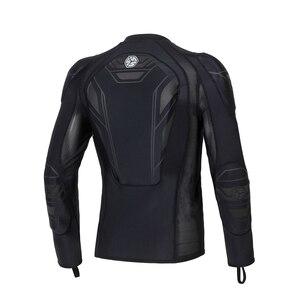 Image 2 - SCOYCO motocykl kurtka ochronny sprzęt Motocross ochrona Moto kurtka pancerz motocyklowy wyścigi kamizelka kuloodporna czarny Moto pancerz