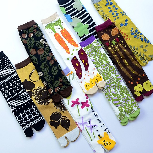 Women Cartoon Combed Cotton Two Toe Socks Japanese Multicolor Jacquard Split Toe Socks Flowers Art Cute Middle Tube Tabi Sock